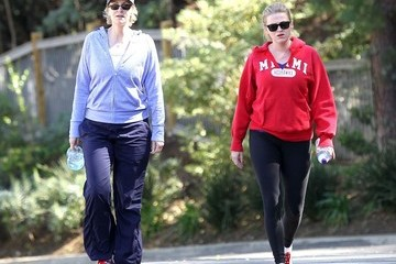 Lara Embry Jane Lynch & Lara Embry Go For A Walk