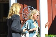 Laura Dern, Naomi Watts & Reese Witherspoon Visit The Brentwood Country Mart
