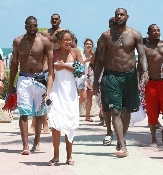 9aa3bf3103d9 LeBron James and Dwyane Wade Photos Photos - LeBron James and Dwyane ...
