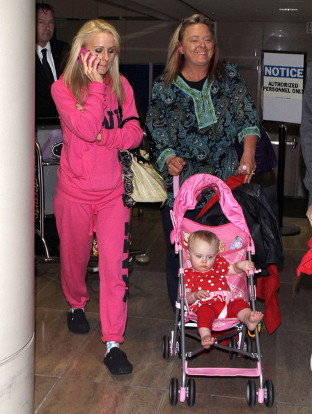 teen mom 2 star leah messer and family arriving on a flight at lax in