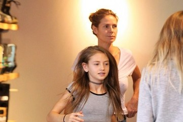 Leni Samuel Heidi Klum and Seal Take Their Kids Shopping at The Burton Store