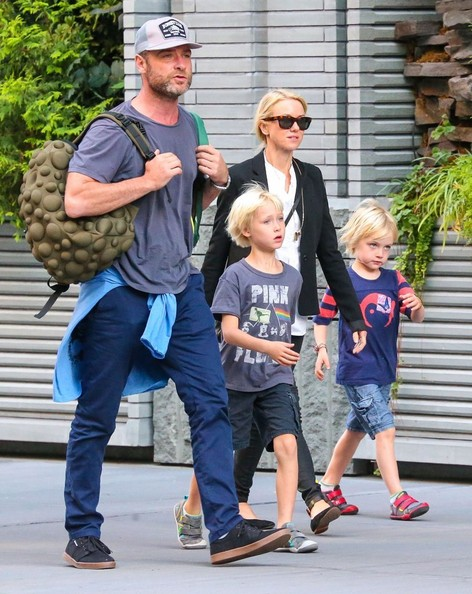 Liev Schreiber Pictures - Naomi Watts Out with Her Family ...