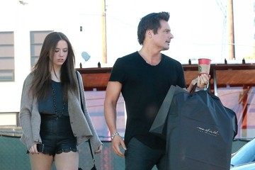 Lily Mo Sheen Len Wiseman & Lily Mo Sheen Shopping At Maxfield