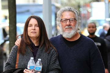 Lisa Hoffman Dustin Hoffman & His Wife Go For a Stroll in NYC