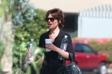 Lisa Rinna Lisa Rinna Stays Hydrated in Bel Air