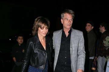 Lisa Rinna Lisa Rinna & Her Two Daughters And Their Dad Enjoy A Night Out In West Hollywood