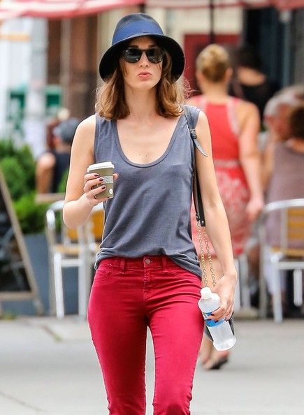 Lizzy Caplan Stops For a