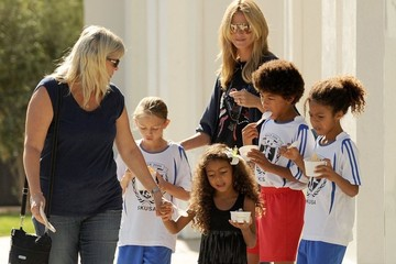 Lou Samuel Heidi Klum Takes Her Kids To Pinkberry