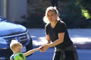 Luca Comrie Hilary Duff Enjoys A Day At The Park With Luca
