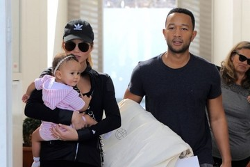 Luna Stephens Chrissy Teigen & John Legend Out With Their Daughter In West Hollywood