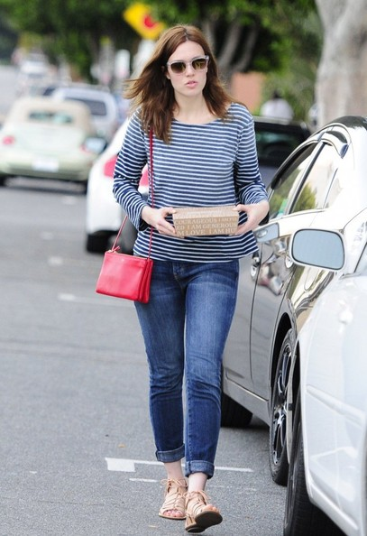 Mandy Moore - Mandy Moore Leaves a Cafe in Hollywood
