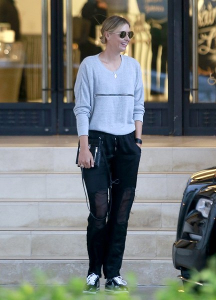 Maria Sharapova Shops At Barneys New York With Friends