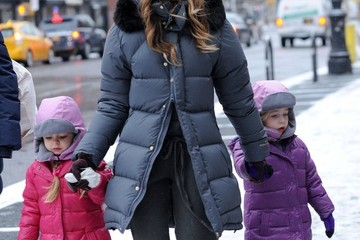Marion Broderick Sarah Jessica Parker Walks Her Girls to School — Part 2