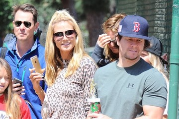 Mark Wahlberg Heidi Klum Watches Her Son's Football Game In Brentwood