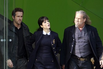 Mary-Louise Parker Ryan Reynolds Ryan Reynolds, Jeff Bridges and Mary Louise Parker Film R.I.P.D. In LA