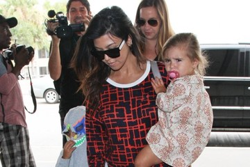 Mason Disick Kourtney Kardashian Catches a Flight
