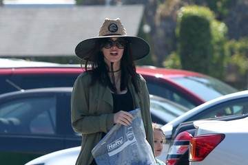 Megan Fox Megan Fox Goes With Her Family to Paradise Cove