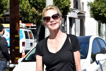 Melanie Griffith Melanie Griffith Grabs Coffee With Her Daughter Stella Banderas
