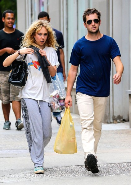 Juno Temple and Michael Angarano Get Groceries