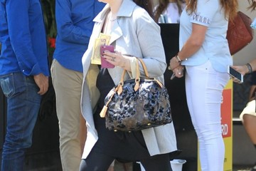 Michelle Trachtenberg Michelle Trachtenberg Goes Out for Lunch in Beverly Hills