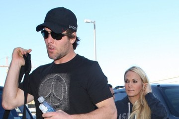 Mike Fisher Carrie Underwood Carrie Underwood & Mike Fisher Departing On A Flight At LAX