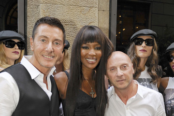 Naomi Campbell Domenico Dolce Milan Fashion Week Womenswear Spring/Summer 2011 - 25th Anniversary Of Naomi Campbell