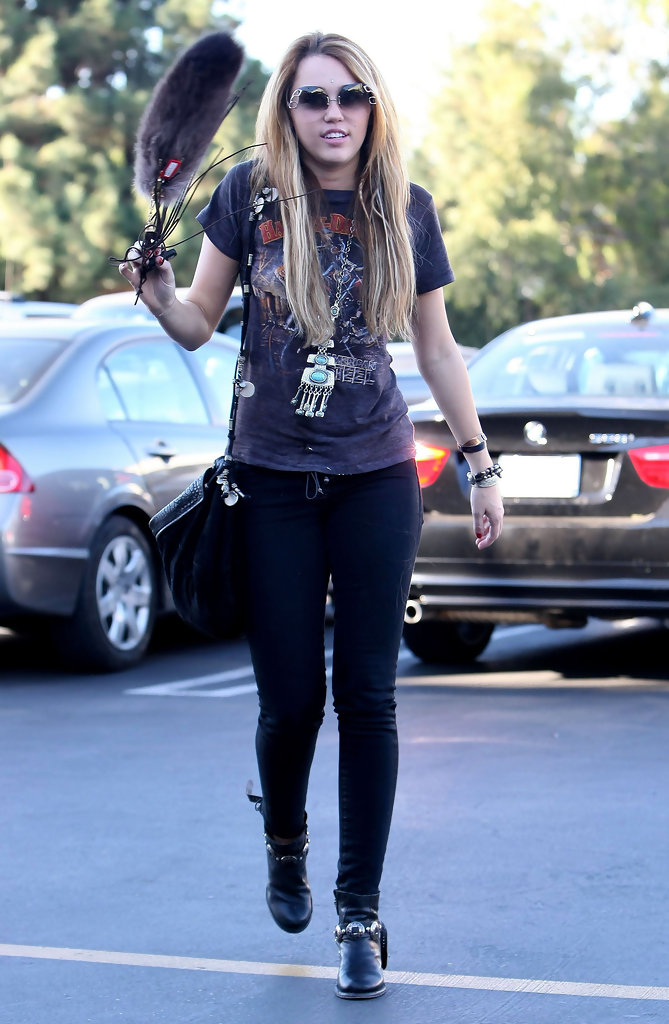 Miley Cyrus Photos Photos - Miley Cyrus Out At Samy's Camera In ...
