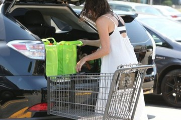 Minnie Driver Minnie Driver Shops at Gelson's