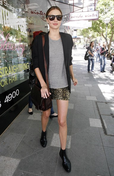 http://www1.pictures.zimbio.com/fp/Miranda+Kerr+Out+Shopping+Sydney+BnSNNi3p-Lal.jpg