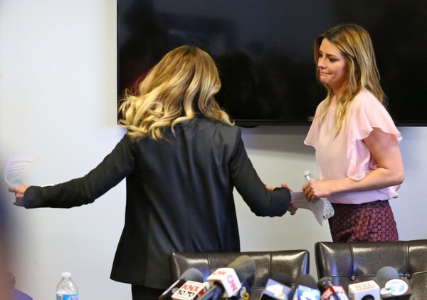 Mischa Barton Holds a Press Conference About Her Being a Victim of Revenge Porn []