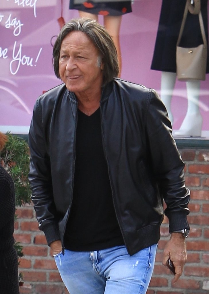Mohamed Hadid Photos Photos - Mohamed Hadid Shops in ...  Mohamed Hadid P...