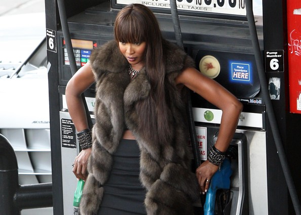 Naomi Campbell Wearing Fur In 90 Degree Weather