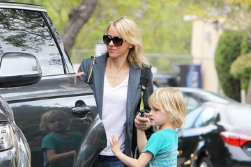 Naomi Watts Samuel Schreiber Naomi Watts Out And About With Her Sons