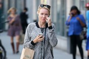 Naomi Watts Stops by Whole Foods