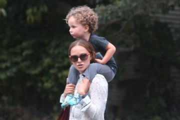 Natalie Portman Natalie Portman & Family Out And About In Los Feliz