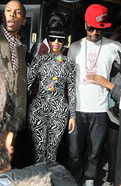 Nicki Minaj - Nicki Minaj Leaving Her Hotel In London