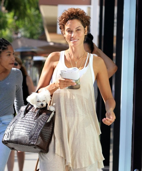 Nicole Murphy Shops in Beverly Hills with Her Daughter