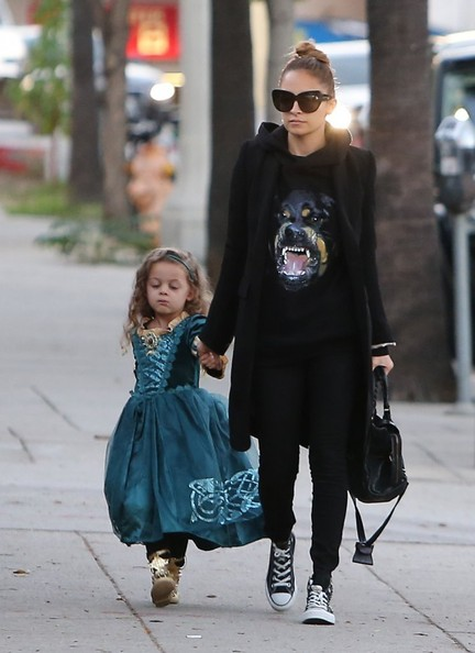 Nicole Richie Ashlee Simpson & Pete Wentz throw their son Bronx his own private super hero birthday party at The Coop in Studio City, CA on November 20th, 2012. Socialite Nicole Richie stops by with her daughter Harlow who is dressed like a princess. Ashlee's separated parents Tina & Joe Simpson also stop by the party but Joe tries to hide under a hoodie!