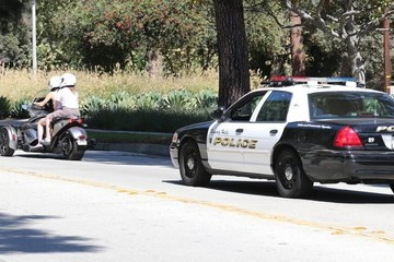 Noah Cyrus Miley Cyrus Calls for a Police Escort