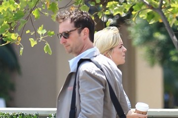 Noah Wyle Noah Wyle Enjoys a Day Out in Beverly Hills