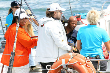 Oprah Winfrey Russell Crowe Oprah Sailing On Sydney Harbour With Russell Crowe