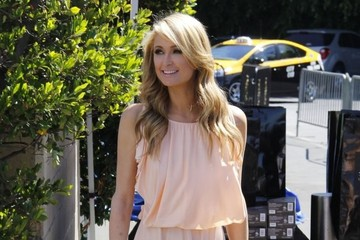 Paris Hilton Celebs Stop by the 'Extra' Set
