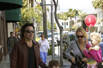 Colin Stanley Paul Stanley Hangs With His Family