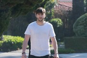 Pregnant Mila Kunis & Ashton Kutcher Take Their Dogs For A Walk
