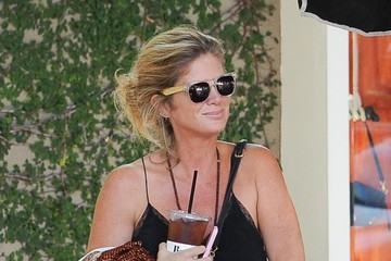 Rachel Hunter Rachel Hunter & A Friend Grab Drinks In LA