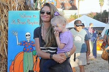 Rebecca Gayheart Rebecca Gayheart and Family Pick Out Pumpkins