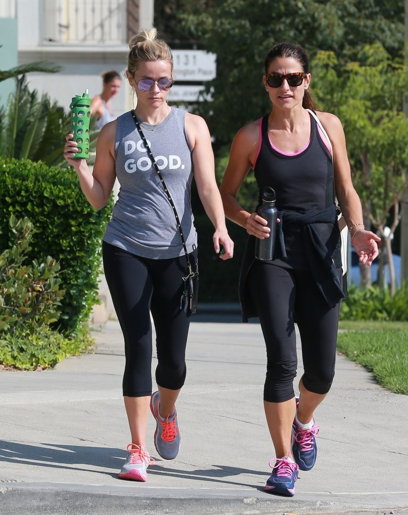 Reese Witherspoon Hits the Gym in Los Angeles 08/04/2016
