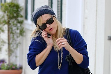 Reese Witherspoon Reese Witherspoon Dines At Le Pain Quotidien
