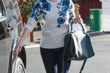 Reese Witherspoon Reese Witherspoon Picks Up Groceries