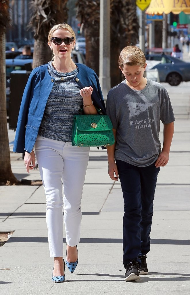deacon phillippe photos photos reese witherspoon spends
